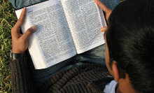 bible-reader-internet