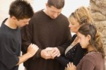 disciples-praying-in-agreement